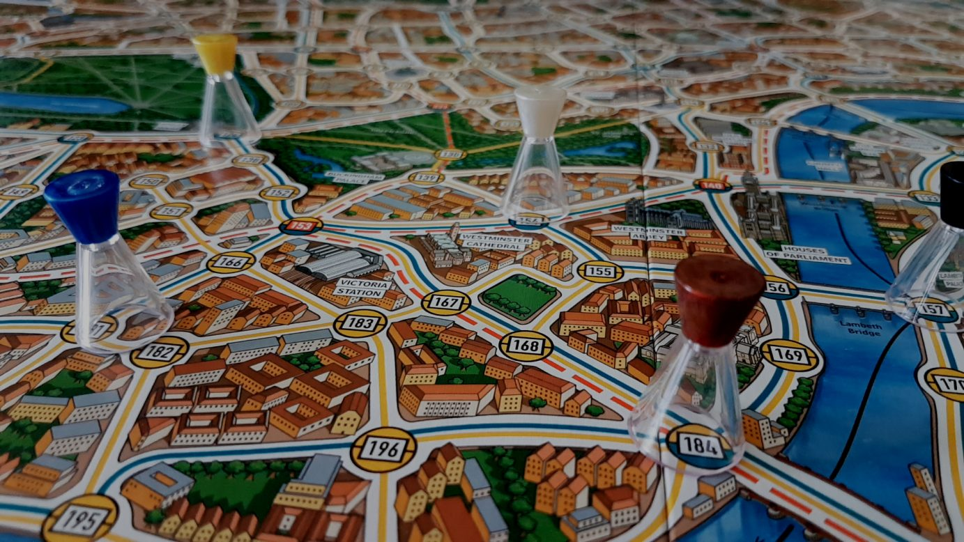 Pawns on the Scotland Yard board
