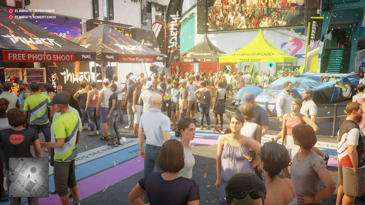 A crowd in Hitman